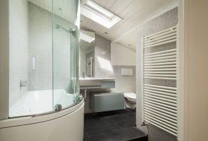radiátor a fürdőszobában